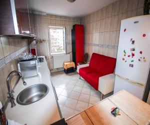 Apartament de vanzare Bacau zona centrala, etaj intermediar